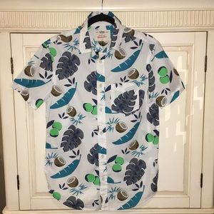 Urban Pipeline boys button down Hawaiian shirt S
